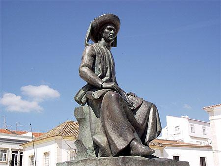 Prince Henri le navigateur : Statues : Lagos : Algarve : Portugal : Routard.com