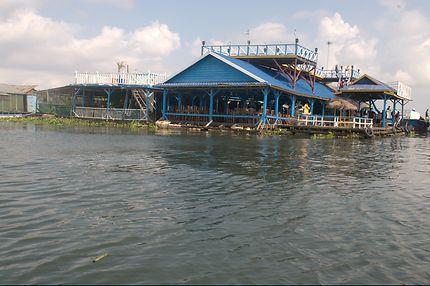 Le lac Tonlé Sap, Cambodge