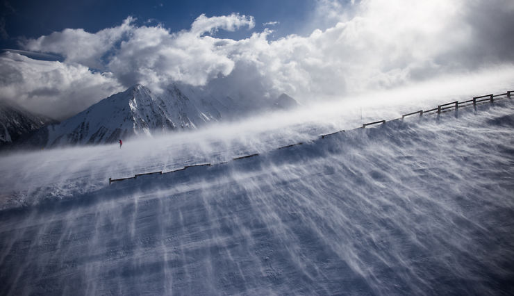 Des vagues de neige à Saint-Lary-Soulan, Pyrénées