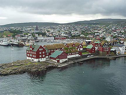 Arrivée dans le port de Thorshavn
