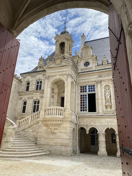 Le bel Hotel de Ville de La Rochelle