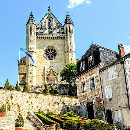Église Saint-Sour à Terrasson-Lavilledieu
