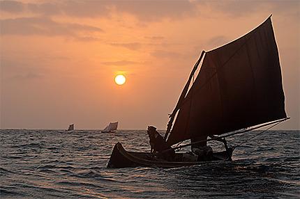 Les pirogues kuna partent à la pêche