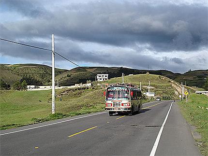 Autobus sur la route