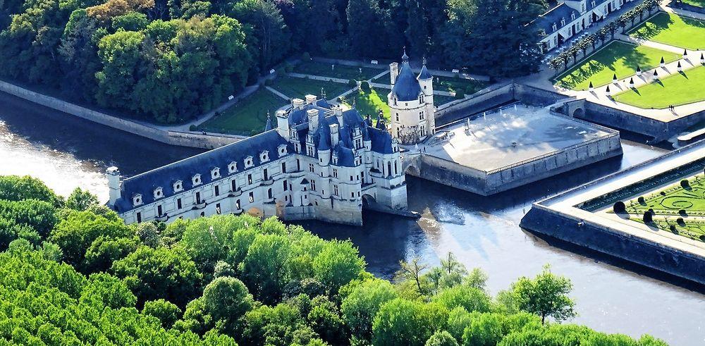 Loire entre châteaux, ballon, vélo, maison troglodytes