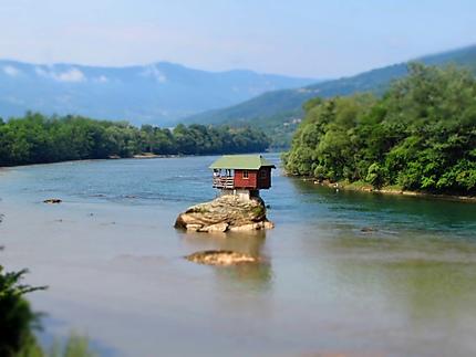 Maison sur la rivière Drina