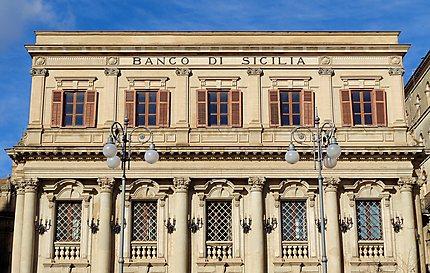 Caltagirone - Clin d'œil au secteur bancaire