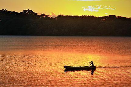 Coucher de soleil sur le fleuve San Juan