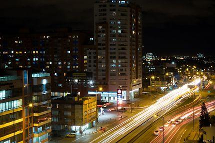La vie nocturne de Bogotá, vue du 10ème étage