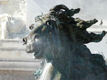 Une partie de la fontaine des Girondins