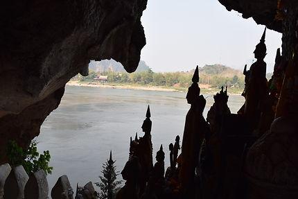 Clair obscur des Grottes de Pak Ou