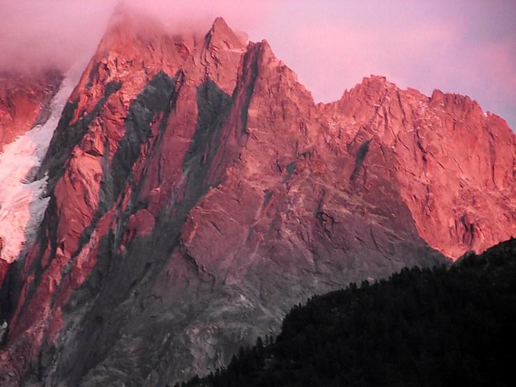 Coucher de soleil sur les aiguilles de Chamonix, Haute-Savoie