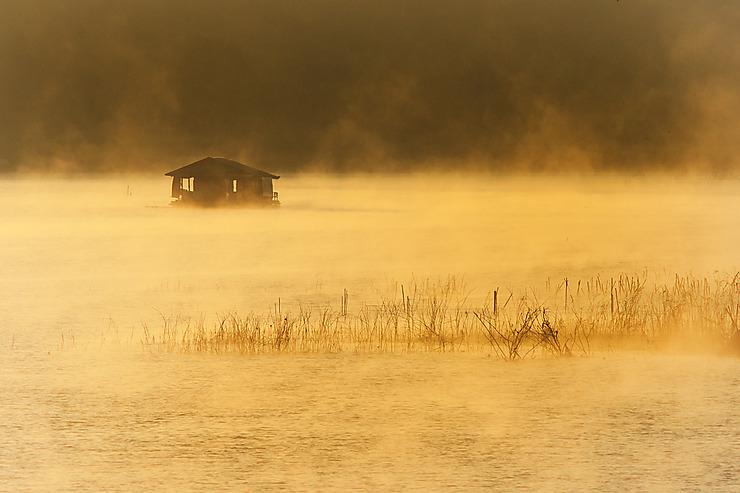 Cabane solitaire à Sangklaburi