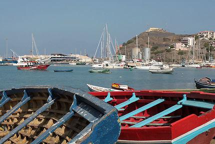 Barques et Mindelo Marina