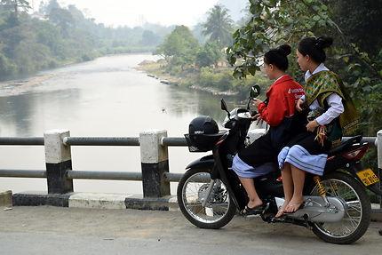 Pont sur la Nam Song