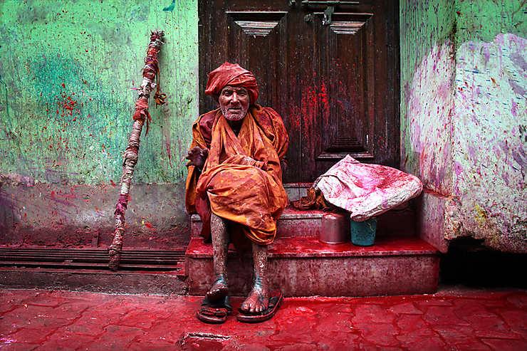 Le baba et ses 1001 couleurs - Happy Holi !