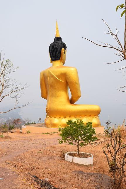 Bouddha géant à Paksé