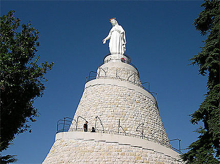 Notre Dame du Liban, Harissa