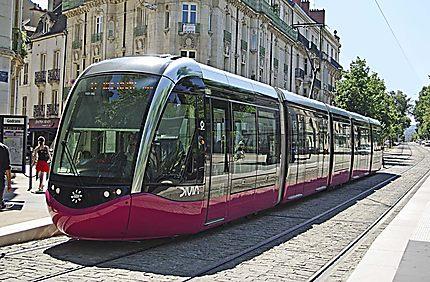 Le tramway à Dijon