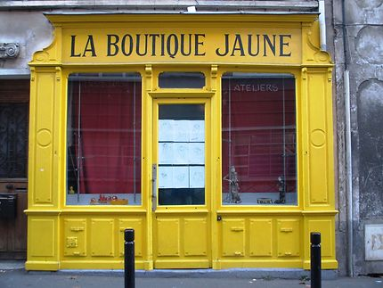 La vieille boutique jaune