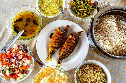 Cercle divin, repas à Alappuzha