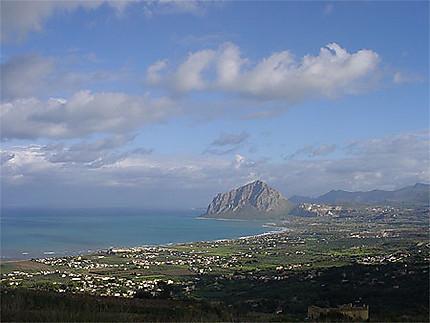 Le mont Cofano vu depuis Erice