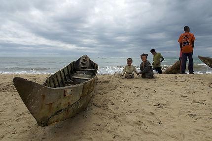 Sur la plage de Manakara, Madagascar