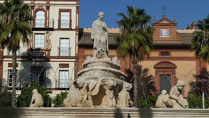 Fontaine à la Puerta de Jerez