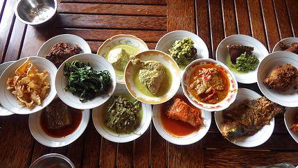 Gastronomie indonésienne à Padang