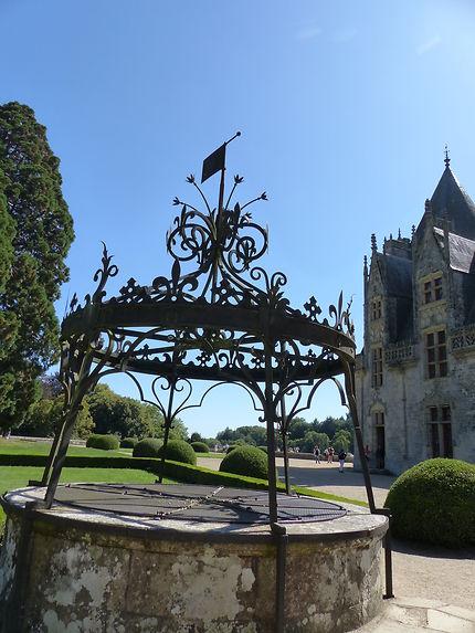 Le puits ouvragé du château de Josselin