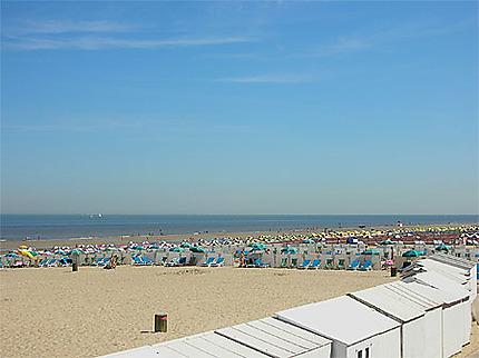 De Haan, grand plage en été