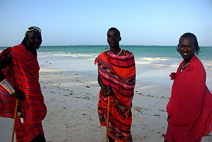 Masai sur la plage