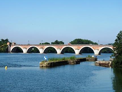 Le pont Napoléon sur le Tarn à Moissac