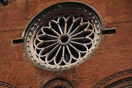Piacenza, Palazzo gotico - Rosace