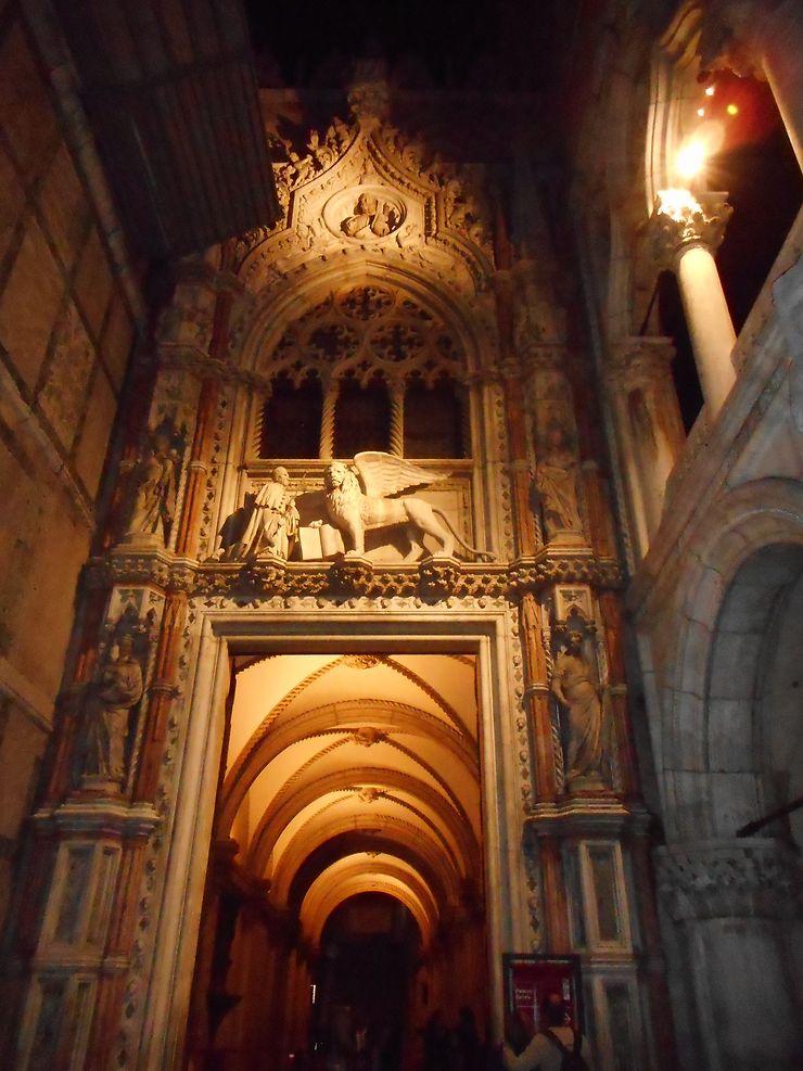 Porta della Carta, Palais de Doges, Venise