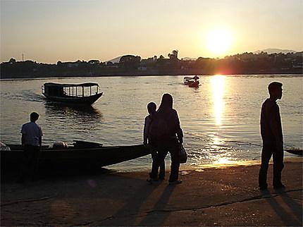 Commerce entre Thaïlande et Laos