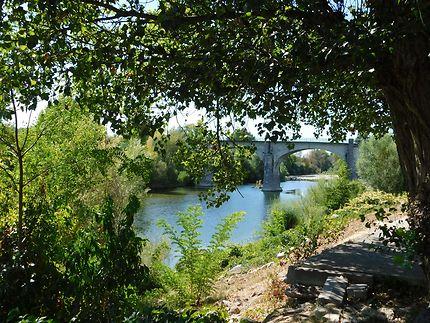 Bord de l'Ardèche, Lanas