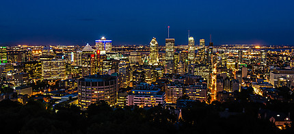 Montréal by night