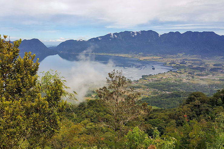 Le haut-pays Minangkabau : le lac Maninjau et la vallée de Harau