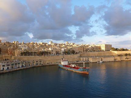 Port Mediterranéen
