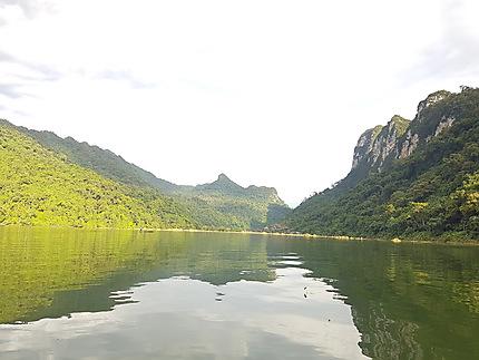 La superbe beauté du lac de Babe