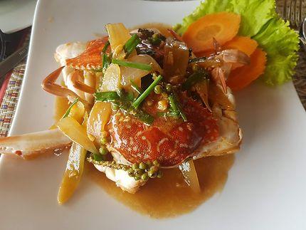 Crabe au poivre vert à Kep