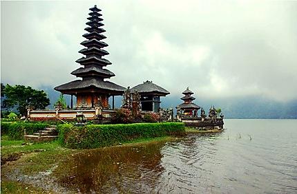 Le temple d'Ulun Danu Batur