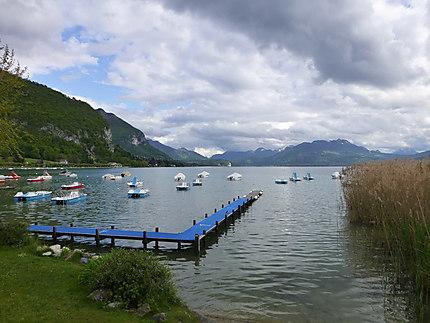 Petit embarcadère à Annecy-le-Vieux