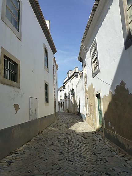 Rue abandonnée à Faro