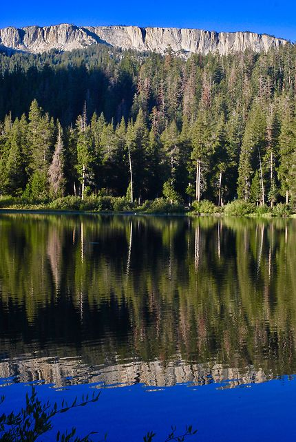 Reflets à Mammoth Lakes