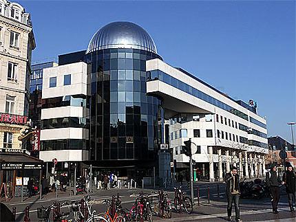 Architecture Moderne, Avenue Le Corbusier, Lille : Euralille