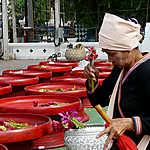 Offrandes au Wat Chedi Luang