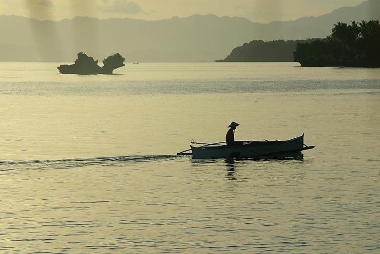 Pêcheur aux Philippines