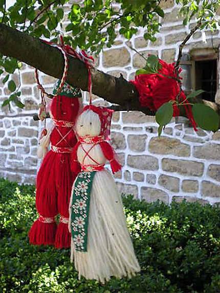 """La """"martenitsa""""-unique tradition populaire au monde"""